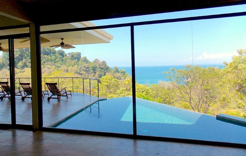 Luxurious 5 Bed 4.5 BA Home with Amazing Views - Image 1 - Aripeka - rentals