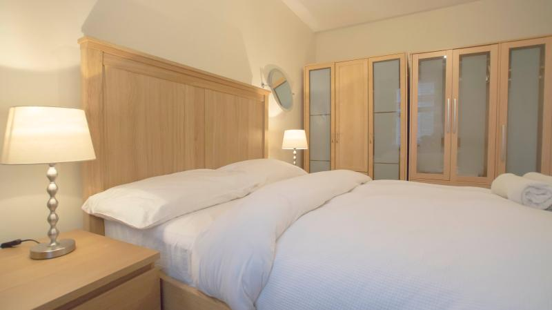 Luxury 2 Bed In London Kings Cross #BH6453 - Image 1 - London - rentals