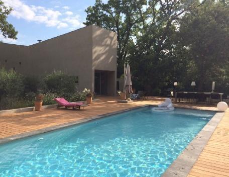 Holiday rental Villas Aix En Provence (Bouches-du-Rhône), 210 m², 3 900 € - Image 1 - Aix-en-Provence - rentals