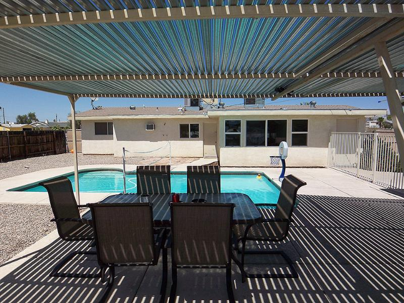 THE CLOSEST HOUSE IN HAVASU!! - Image 1 - Lake Havasu City - rentals