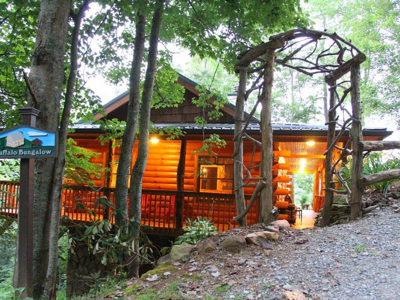 Buffalo Bungalow - Buffalo Bungalow:Couples Only: Sauna,Massage Table - Clyde - rentals