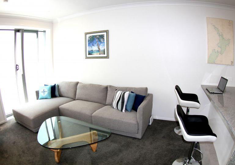 Newly refurbished modern sunny quiet city apartment. - Central City Quiet Apartment within walking distance to Viaduct Harbour District - Auckland - rentals