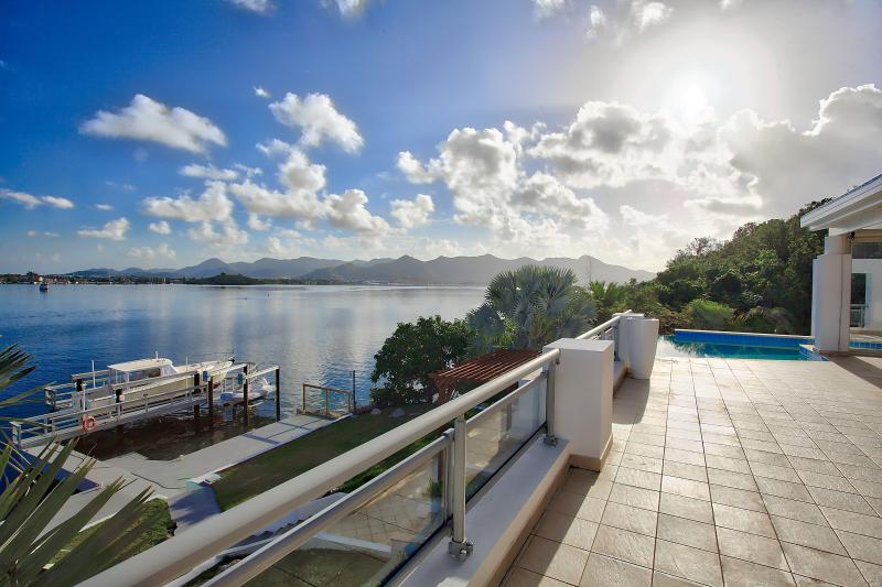 Amaryllis, Aqua Marina, Point Pirouette, St Maarten - AMARYLLIS... Modern waterfront villa with boat dock and full AC, in gated community close to Mullet Bay beach - Maho - rentals