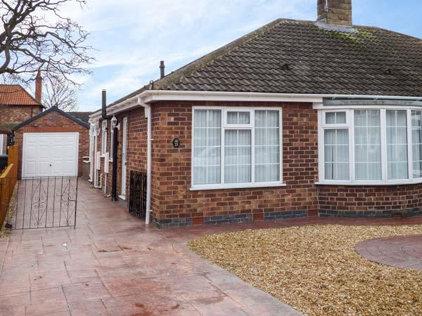 ELLABY bungalow, close to York, bike storage, WiFi in Haxby Ref 932580 - Image 1 - Haxby - rentals
