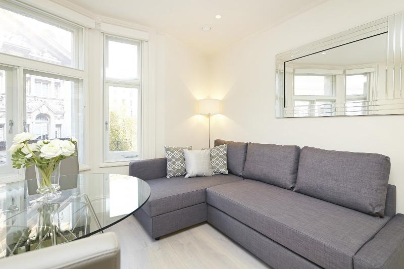 Bright 1 Bedroom Apartment in Covent Garden - Image 1 - London - rentals
