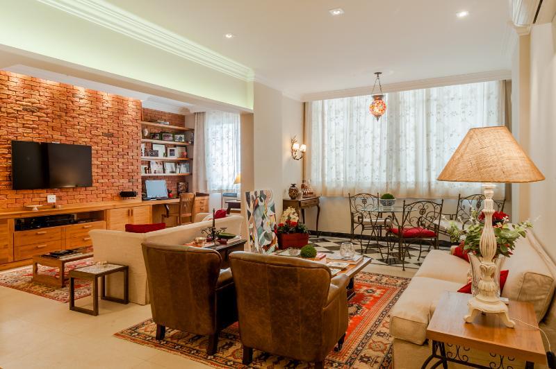 Eclectic 2 bedroom Apartment Nestled in Copcabana - Image 1 - Rio de Janeiro - rentals