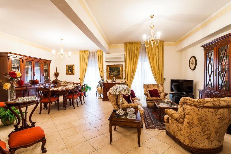 Casa Flora - Image 1 - Sorrento - rentals
