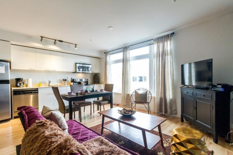 Tranquil condo on Green Lake with a rooftop terrace - dogs allowed! - Image 1 - Seattle - rentals