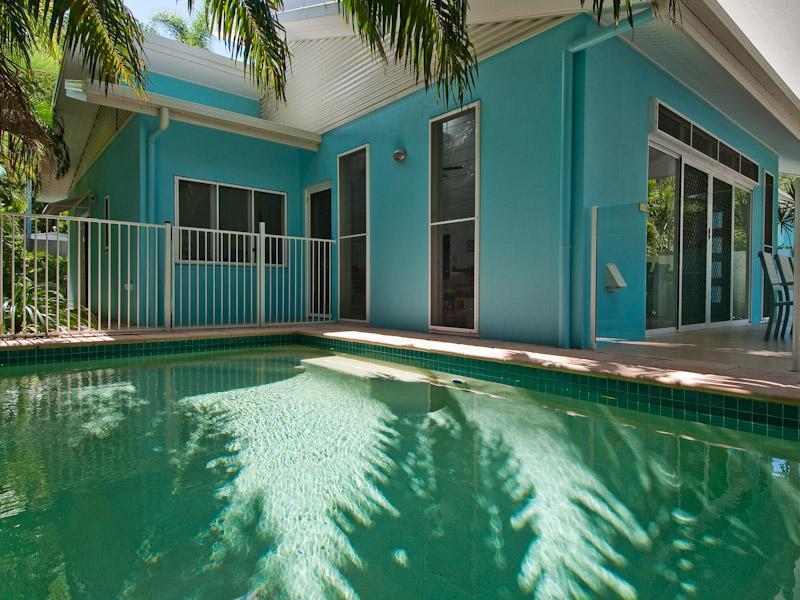 Aqua Luna Back - Image 1 - Clifton Beach - rentals