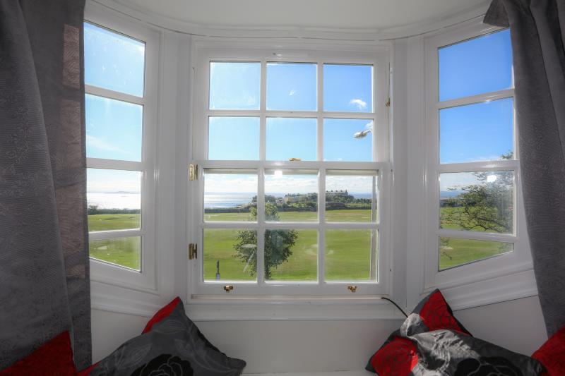 Wonderful views over the Forth towards Edinburgh - Loft on the Links - Burntisland - rentals