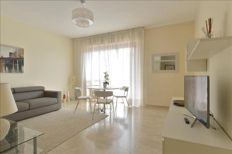 Spacious 2bdr w/2terraces - Image 1 - Milan - rentals