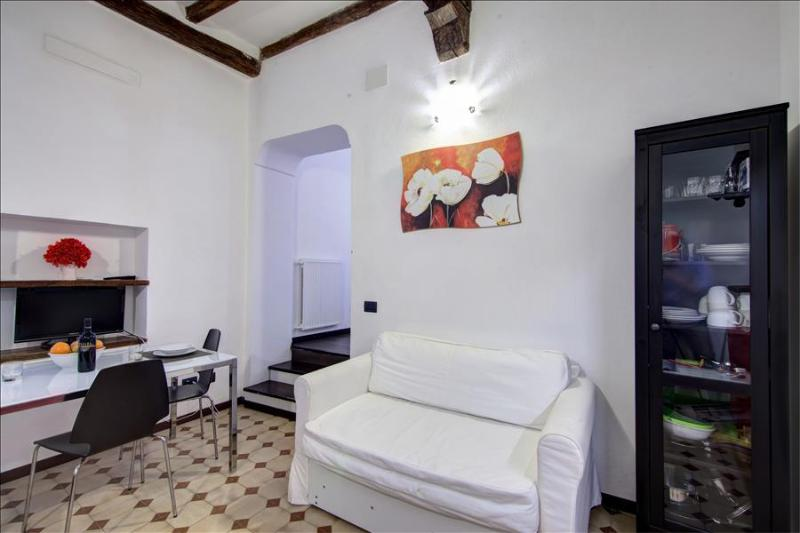 1bdr apt in the historical center - Image 1 - Rome - rentals