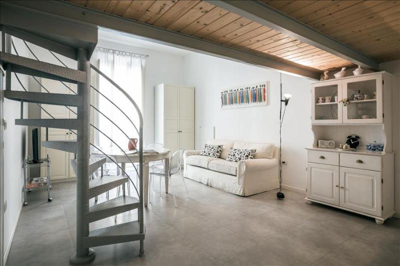 Bright studio in Monti district - Image 1 - Rome - rentals