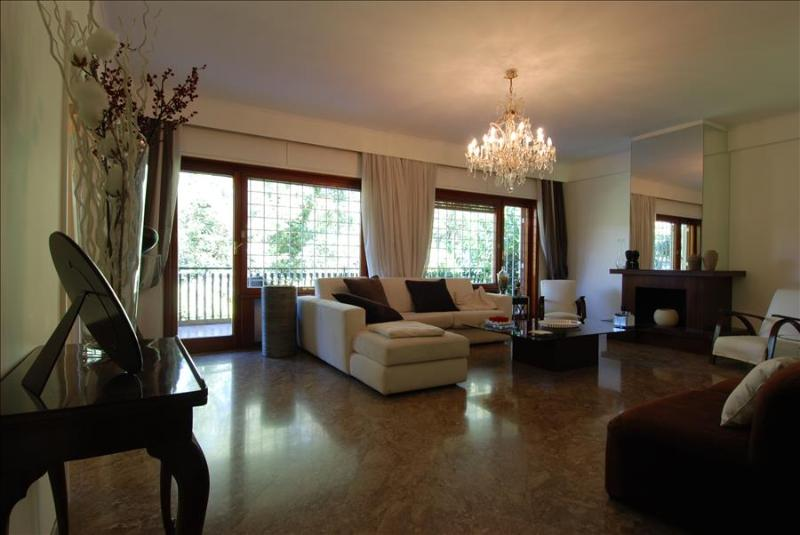 Gorgeous 2bdr apt with terrace - Image 1 - Rome - rentals