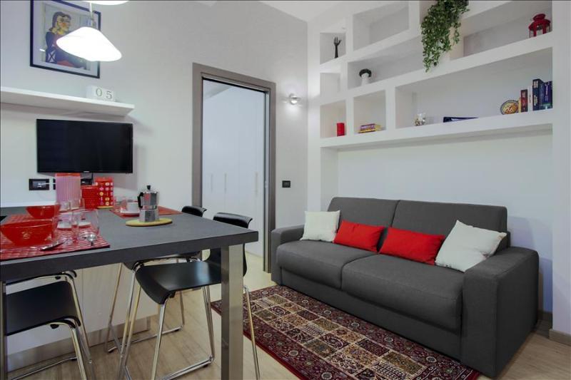 Bright 1bdr close to metro station - Image 1 - Milan - rentals