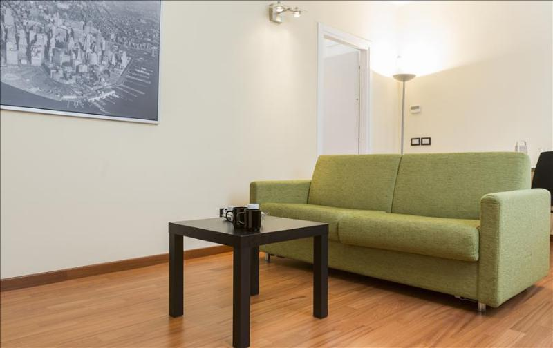 Modern and cozy 1bdr in Navigli - Image 1 - Milan - rentals