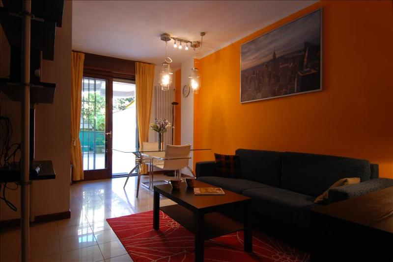 Modern 1bdr apt w/terrace - Image 1 - Milan - rentals