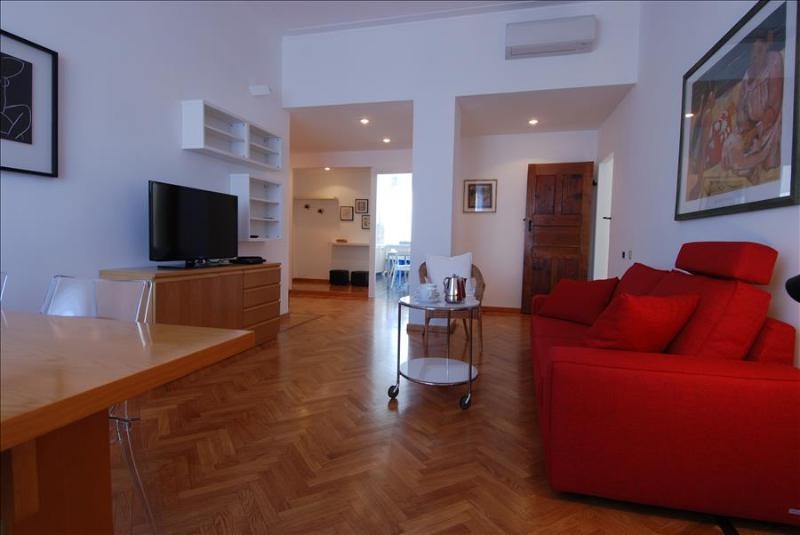 Bright 2bdr with great location - Image 1 - Milan - rentals