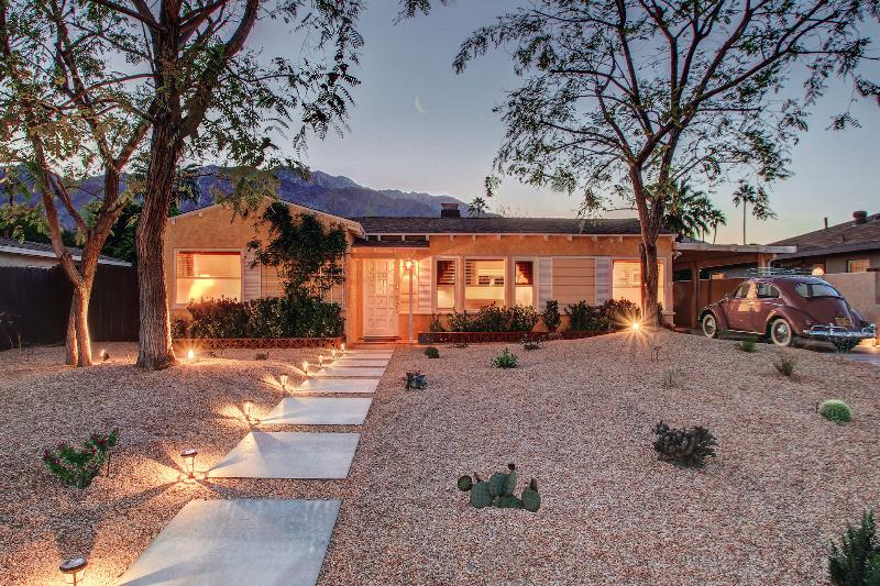 Front Yard - Palm Springs Cottage - Palm Springs - rentals