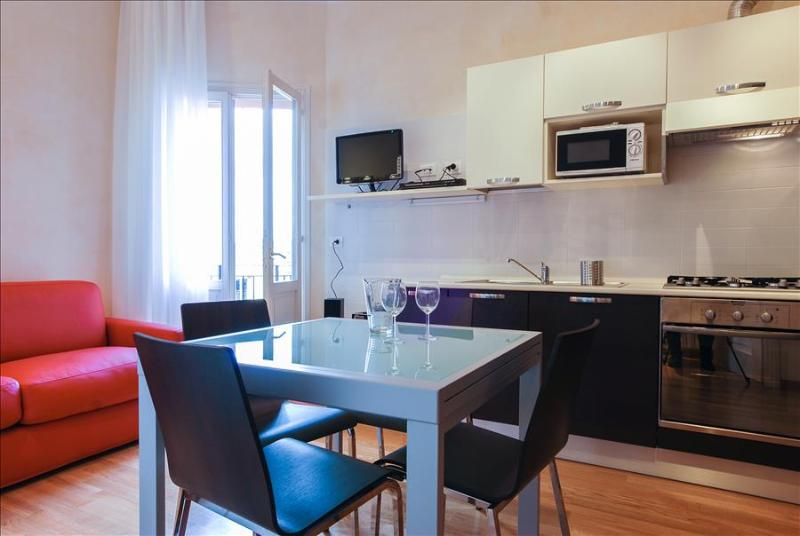 Modern flat with balcony, WiFi and A/C in city center - Image 1 - Bologna - rentals