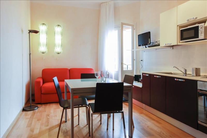 Modern 1bdr with balcony - Image 1 - Bologna - rentals