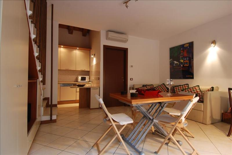 Cozy one bedroom duplex w/terrace - Image 1 - Milan - rentals