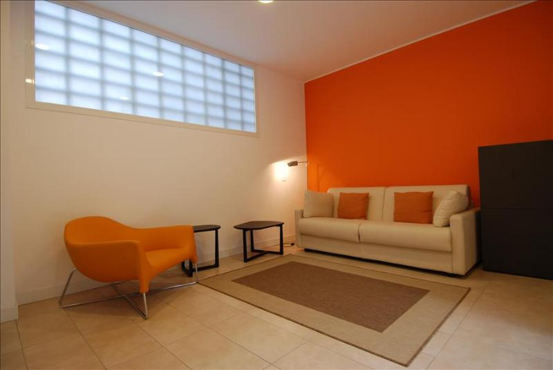 Bright one bedroom - Bocconi area - Image 1 - Milan - rentals