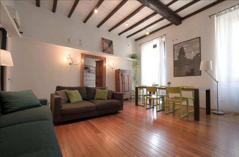 Elegant 2bdr apt in Porta Venezia - Image 1 - Milan - rentals