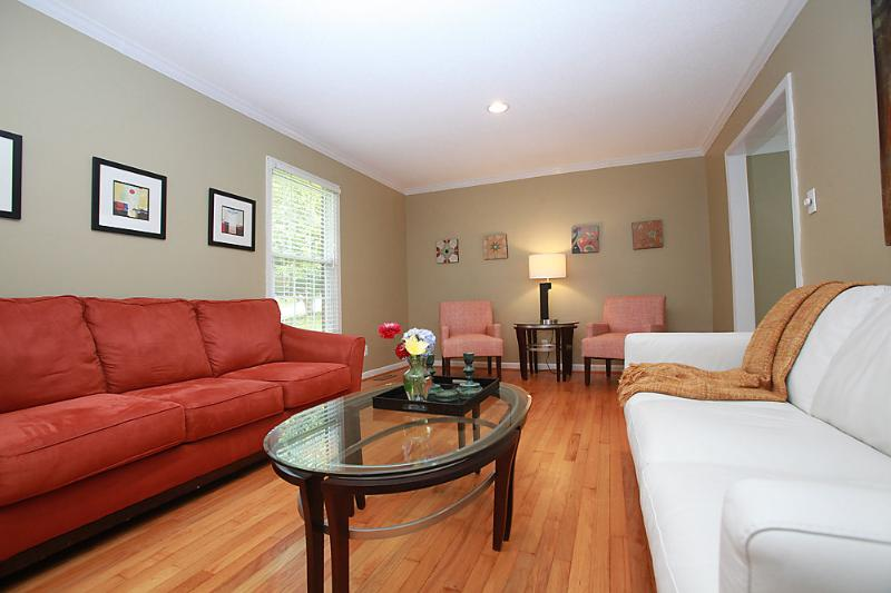 Living room - Raleigh Vacation Rental - No Fees - Raleigh - rentals