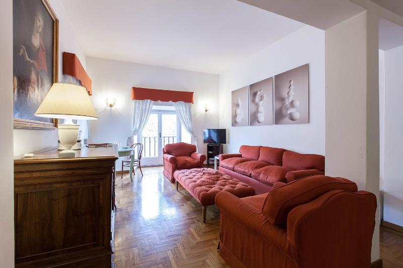 Dining and Living Room - BabyOrsetto, quiet comfy and cosy, Piazza Navona! - Rome - rentals