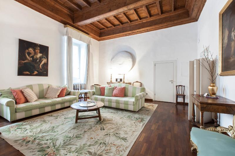 Dining and Living Room - CrownOrsetto Palatial Comfy & Cosy, Piazza Navona! - Rome - rentals