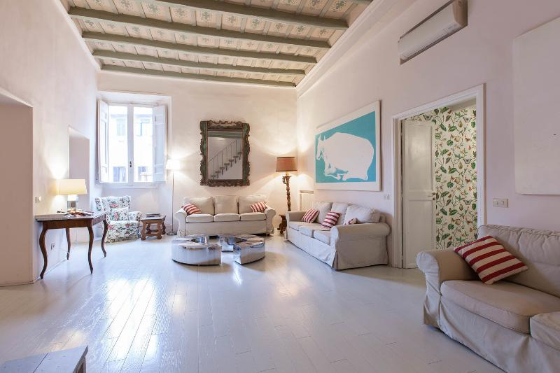 Living Room - GrandOrsetto 3be3ba large bright 150m Pza Navona - Rome - rentals