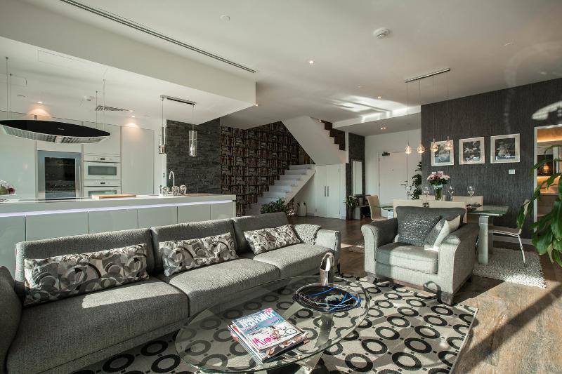 Living Room - Pure luxury - Marina duplex condo fully renovated - Dubai - rentals