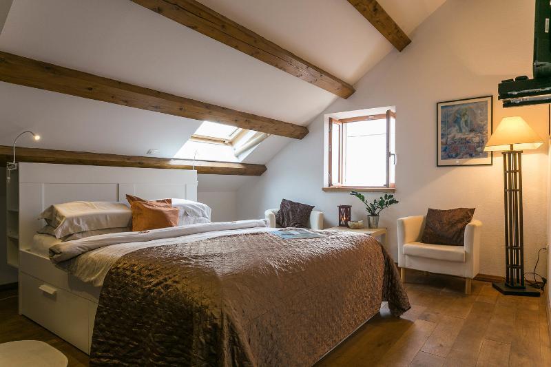 The Master Bedroom - Villa Anica-Cosy bedroom near Dubrovnik Old Town - Dubrovnik - rentals