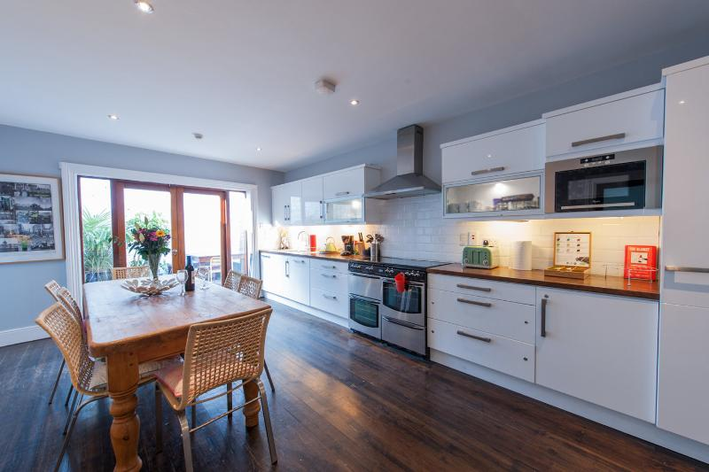 Kitchen - Period Home; Central Location: Character + Comfort - Dublin - rentals