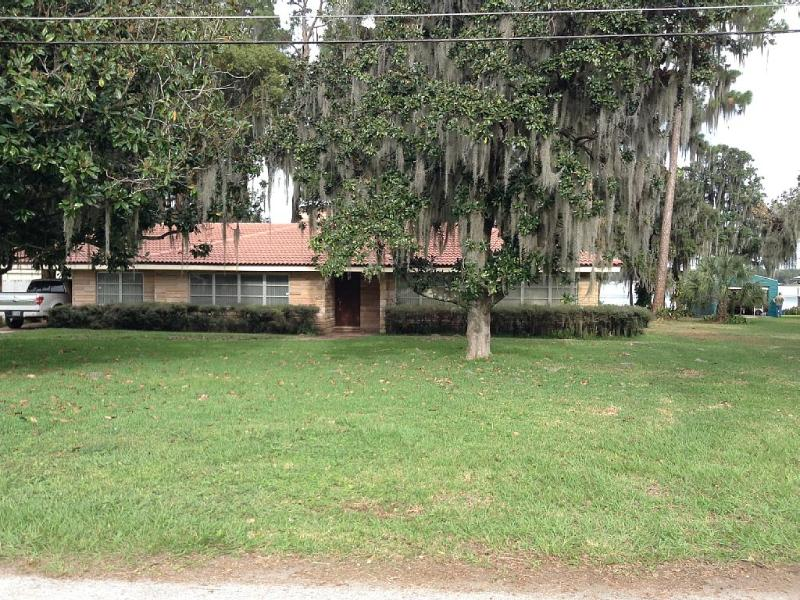 4070 Lake Marianna Dr lakefront - Image 1 - Auberry - rentals