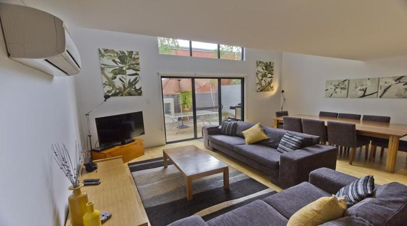 Downstairs open plan living area with reverse cycle air conditioning - Townhouse 212 - Margaret River - rentals