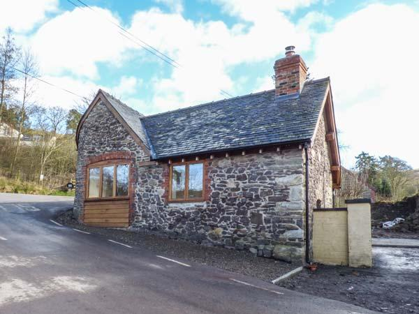 THE OLD SMITHY, semi-detached, open plan studio layout, woodburner, WiFi, Ratlinghope, Ref 930997 - Image 1 - Ratlinghope - rentals