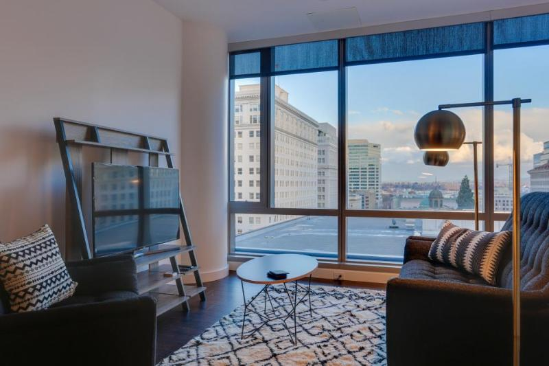 Dog-friendly studio w/ skyline views near Pioneer Square! - Image 1 - Portland - rentals