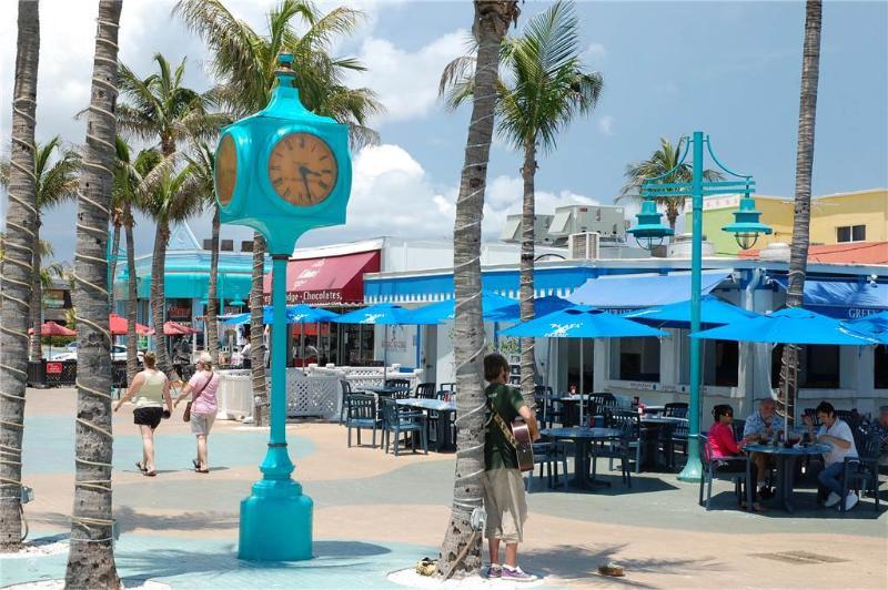 Beach Island Pearl, 4 bedroom, private heated pool - sleeps 8 - Image 1 - Fort Myers Beach - rentals
