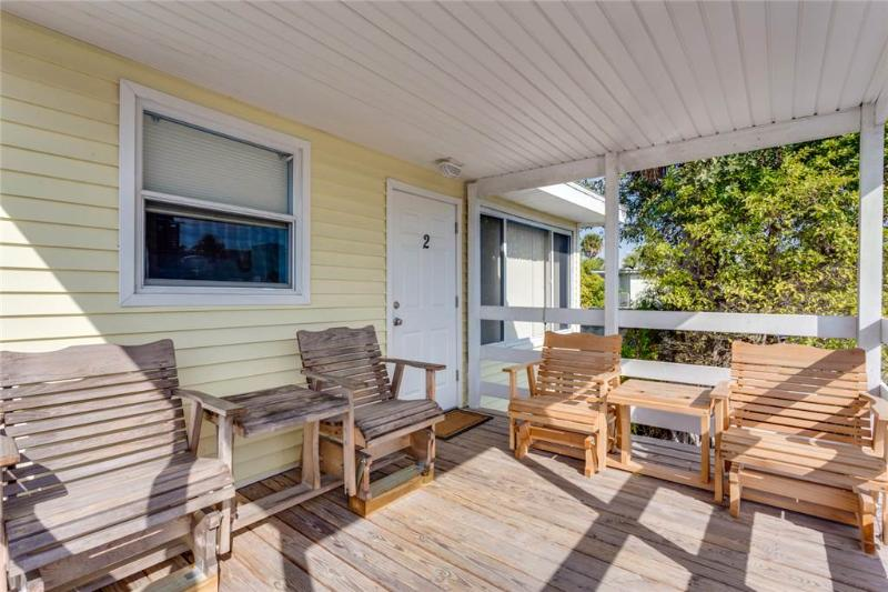 Snowbird Landing, 1 Bedroom, Pet Friendly, Sleeps 3 - Image 1 - Fort Myers Beach - rentals
