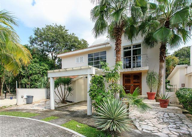Live this beautiful House in Playa del Carmen- with private pooI- NEW ADDING - Image 1 - Playa del Carmen - rentals