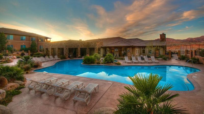 Coral Springs Suites/ Sleeps 2-12/Pool/ Fitness - Image 1 - Hurricane - rentals