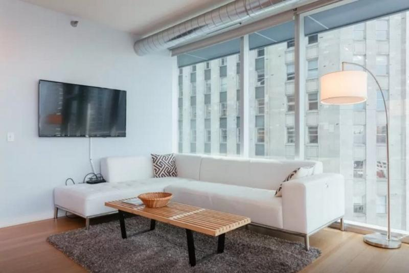 SPACIOUS AND FURNISHED 2 BEDROOM APARTMENT IN CHICAGO - Image 1 - Chicago - rentals