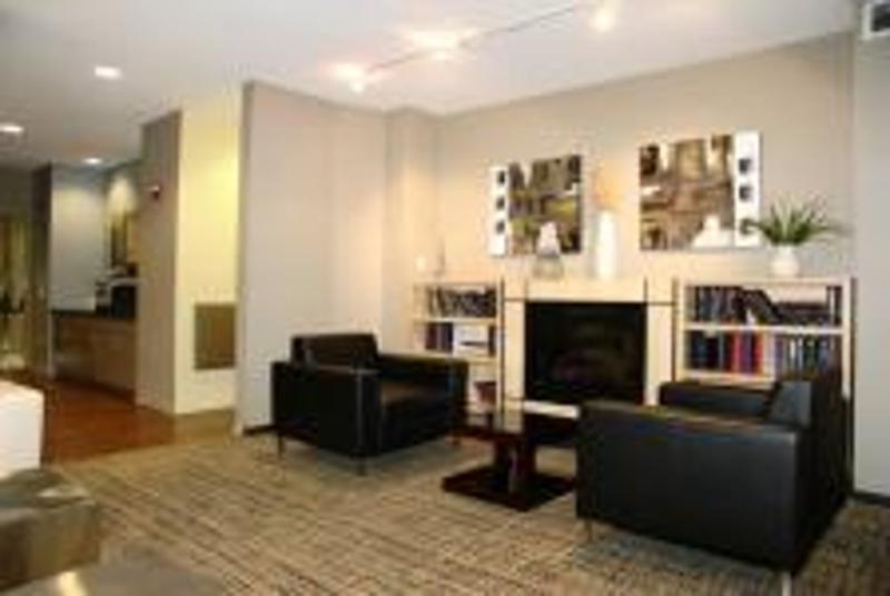 Unique Studio Apartment in Chicago - Hotel-Like Convenience - Image 1 - Chicago - rentals