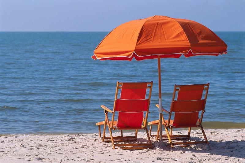 Beach anyone? - Best of the Sanibel beach - Direct water views! - Sanibel Island - rentals