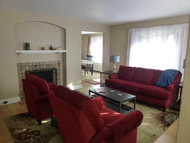 Living room - Park Hill Holly House.. a fine place to call home - Denver - rentals