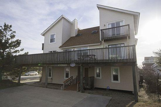 By the Beach *Semi-Oceanfront* - Image 1 - Virginia Beach - rentals