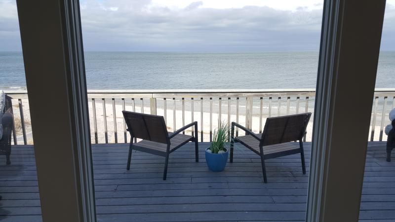 Luxurious, Beachfront, Real Beach House All Year 5 min Wineries Hamptons - Image 1 - Wading River - rentals