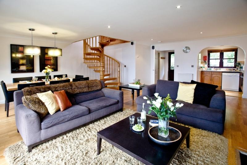 Lily, Woodland Retreat located in Wadebridge, Cornwall - Image 1 - Wadebridge - rentals